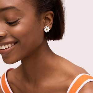 Kate Spade in to the bloom studs flower